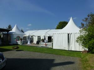 VIP-Zelt mit 2 Pagoden